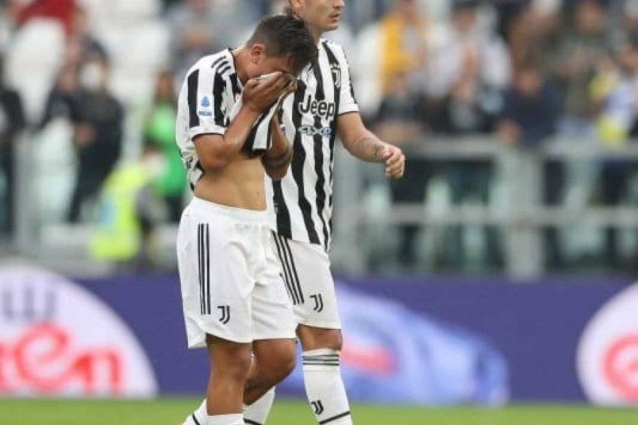 Dybala salió lesionado entre lágrimas