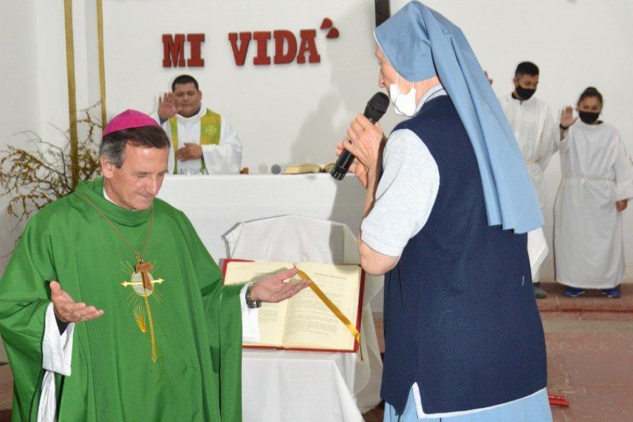 Visita pastoral del Obispo al departamento de Sauce