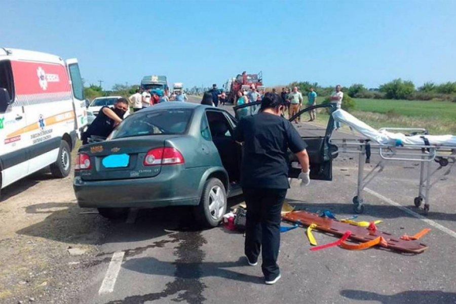 Una correntina murió tras chocar su auto contra un camión