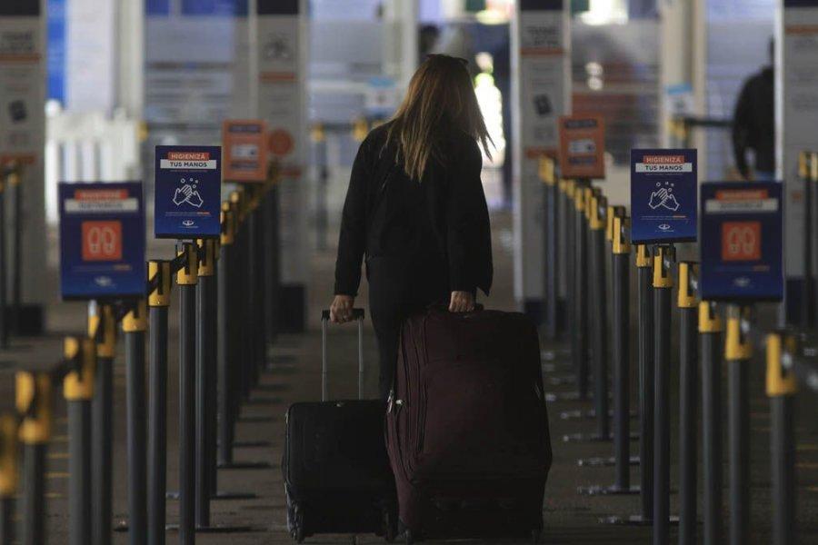 El Gobierno analiza aumentar el número de vuelos y pasajeros que llegan al país
