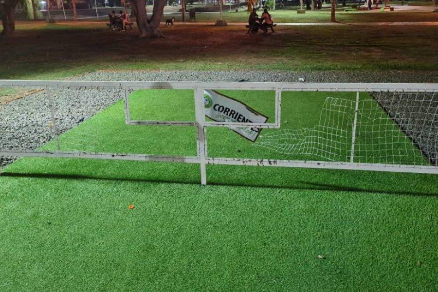 Rompieron las redes de las canchas de fútbol-tenis en el Cambá Cuá