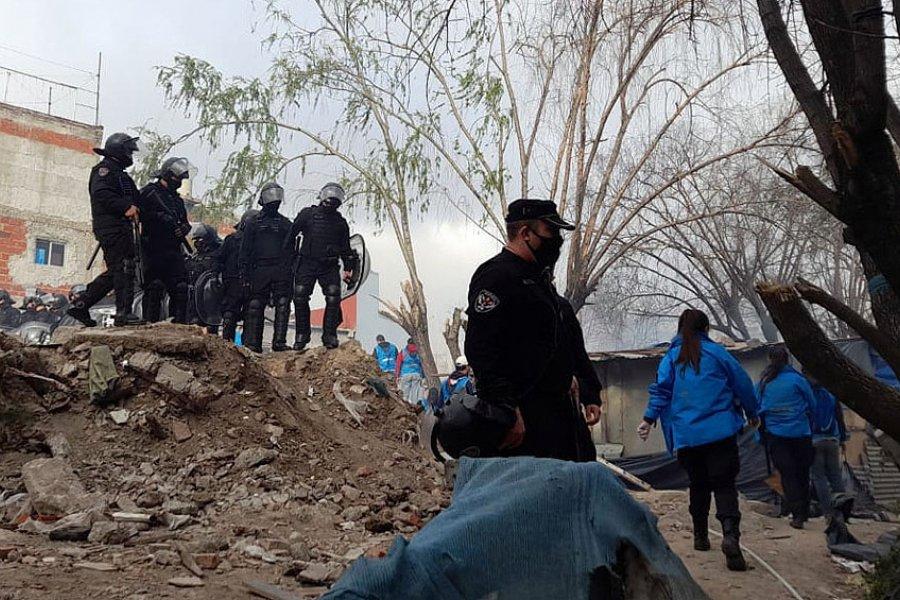 El Gobierno y la Justicia porteña desalojaron a 100 familias en el Barrio 31 de Retiro