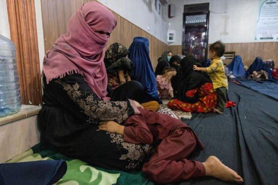 Una mujer vendió a uno de sus hijos para pagar la atención de la que estaba enferma
