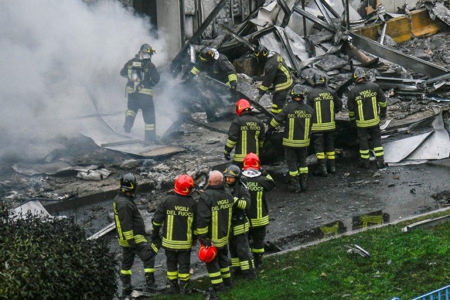 Un avión de turismo se estrelló contra un edificio cerca de Milán