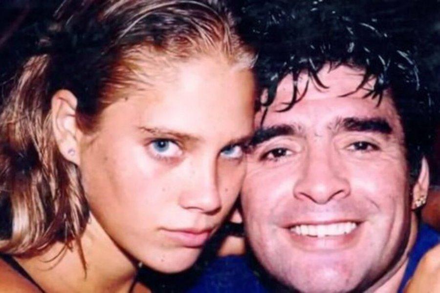 Maradona y Mavys Alvarez: Los Dioses también abusan