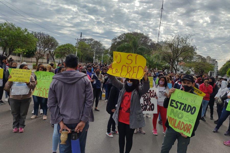 Violación en Caá Catí: Fuerte pedido de justicia frente a Tribunales