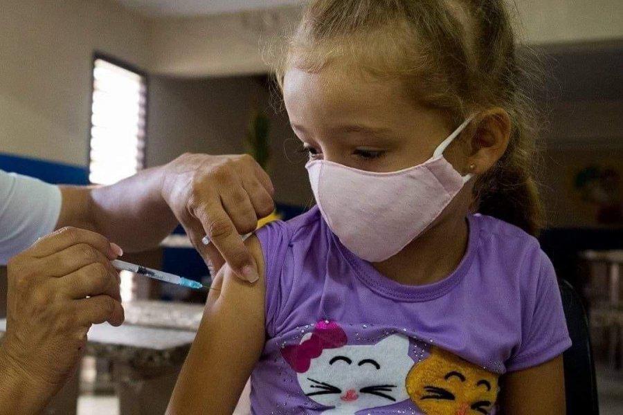 La Sociedad Argentina de Pediatría avaló la decisión oficial de vacunar a niños contra la COVID