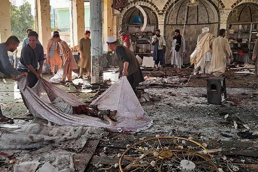 Al menos 50 muertos por un ataque explosivo en una mezquita de Afganistán