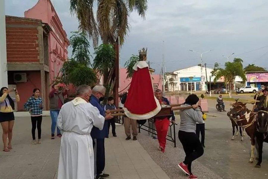 Con la imagen de San Luis Rey, un grupo de peregrinos partió a Itatí
