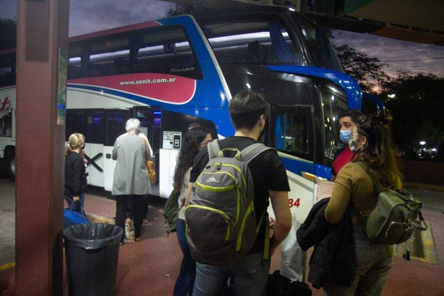 Disponen refuerzos en la terminal debido a la alta demanda de turistas
