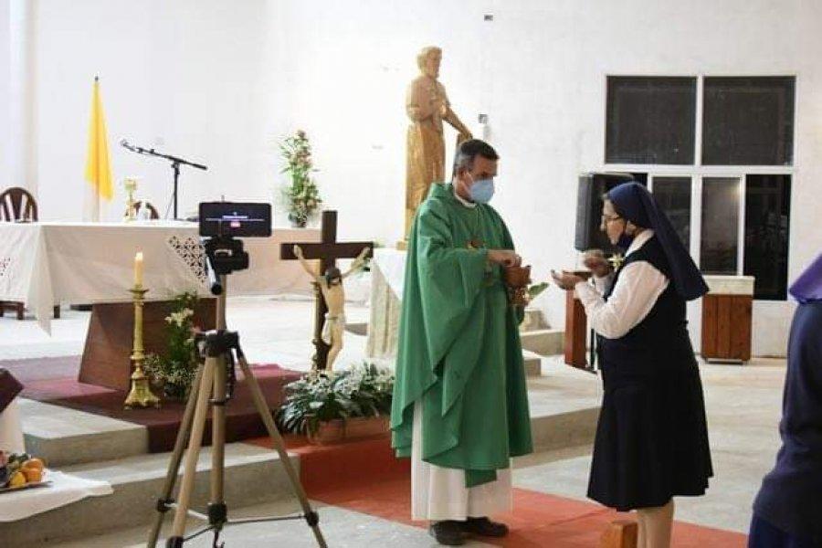 Monseñor Canecin animó a las consagradas a dejarse mirar por Dios