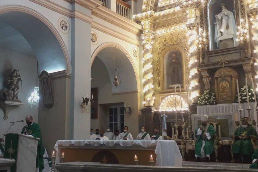 Se concretó el traspaso y asumió el nuevo párroco de La Merced