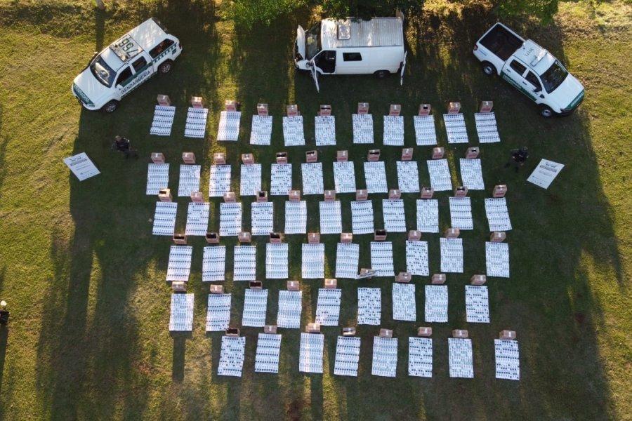 Misiones: Intentó fugarse de un control vial con 30 mil paquetes de cigarrillos en una camioneta