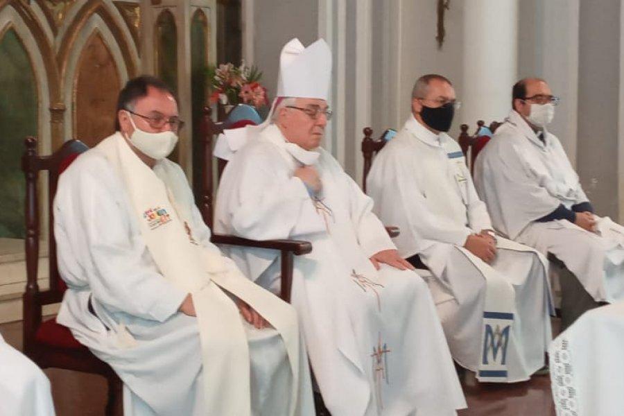Monseñor Faifer peregrinó con los seminaristas hacia Itatí