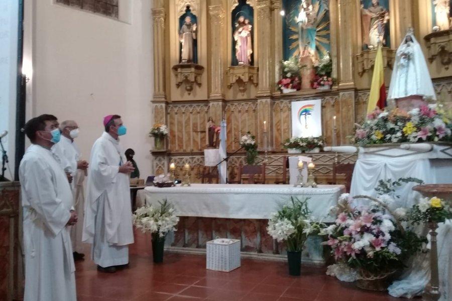 En el dia de la Virgen del Pilar, el Obispo instó a caminar juntos y cuestionó a propulsores de grietas