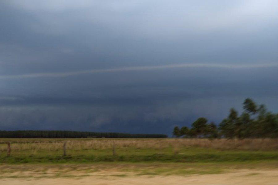 Corrientes: Alerta meteorológico por tormentas fuertes y posible caída de granizo