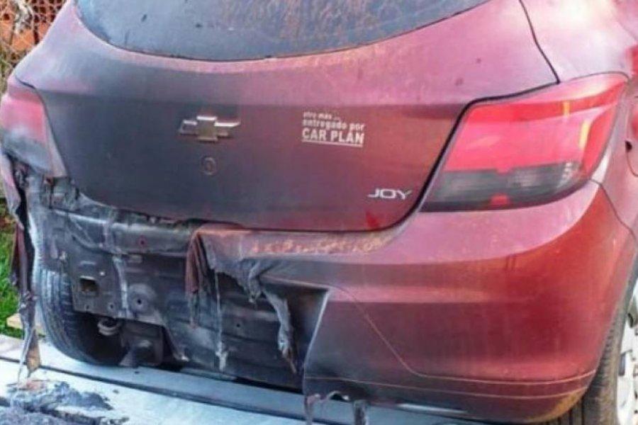 Atacaron el auto de una docente