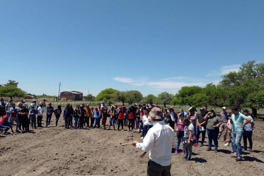Se establecieron los dos primeros semilleros para pasturas en el sur provincial