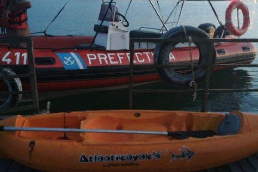 Buscan a dos hombres desaparecidos tras hundirse un bote piragua