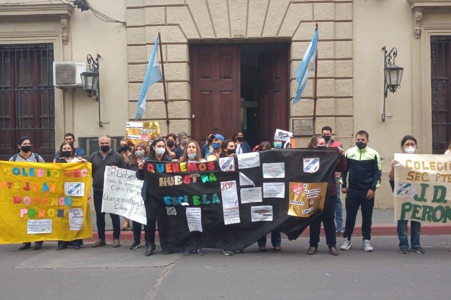 Hospital de Campaña: Marcha por la restitución de alumnos al Hogar Escuela