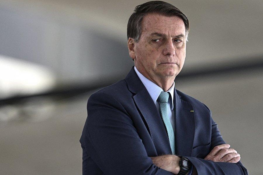Bolsonaro dice que llora solo en el baño, escondido de su esposa