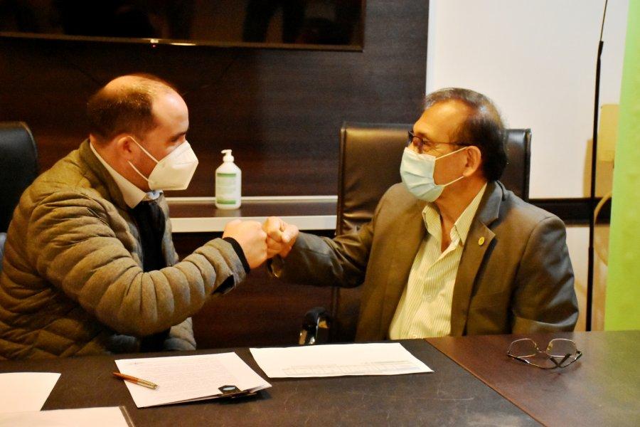 Firmaron convenio con el Senasa para el abordaje de enfermedades zoonóticas