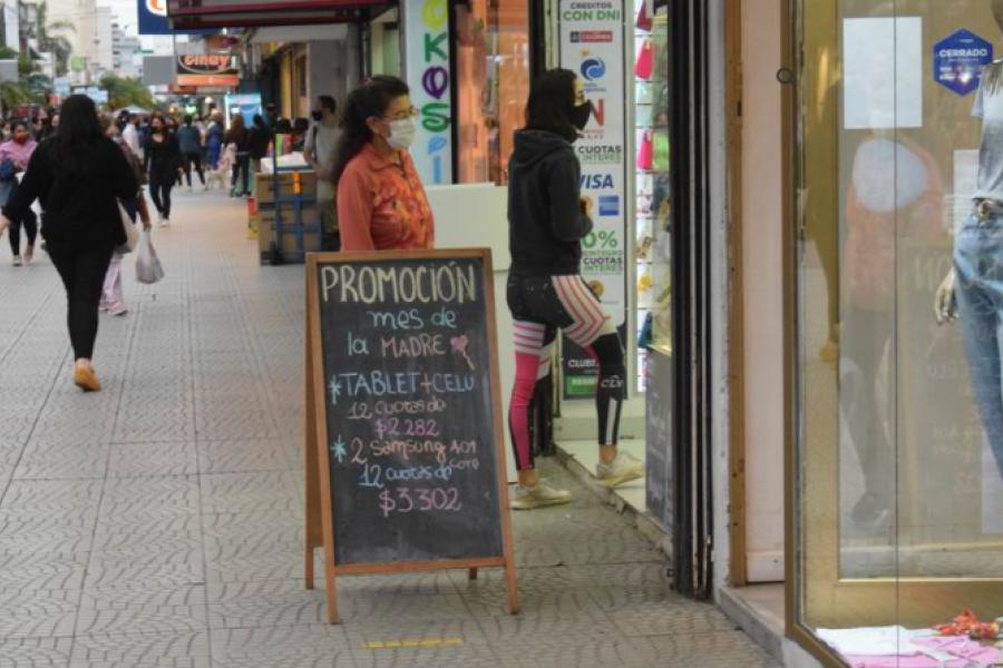 Día de la Madre: regalos repuntaron la venta de celulares e indumentarias