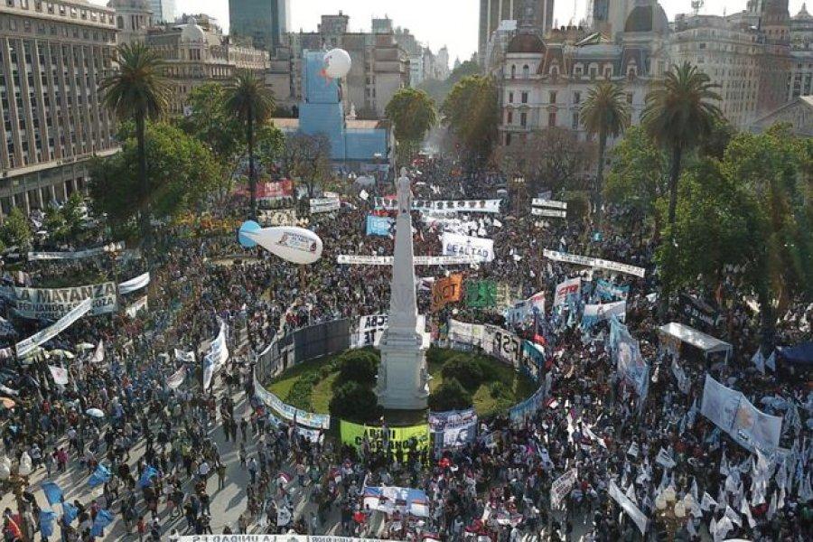 El peronismo marchó a Plaza de Mayo por el Día de la Lealtad