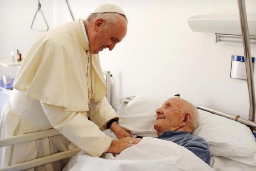 El Papa a los médicos: Anteponer los enfermos a la enfermedad