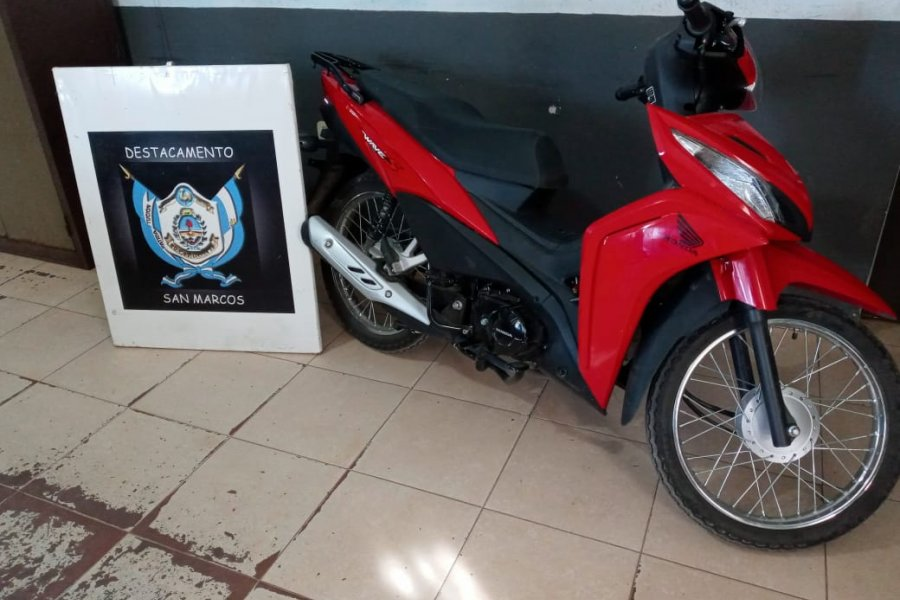La Policía recuperó una motocicleta sustraída y aprehendió al presunto autor