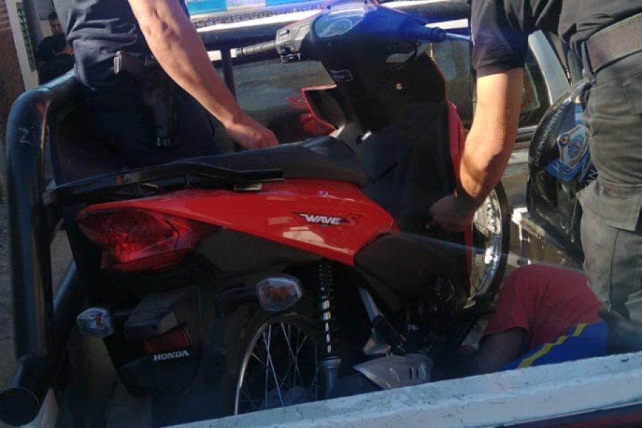 Salió de la Comisaría y robó una moto