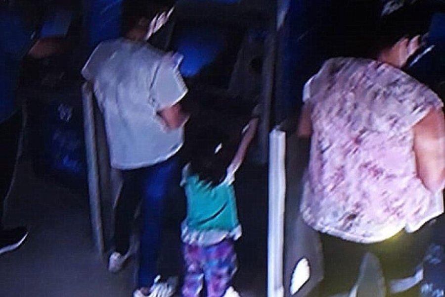 Detuvieron a una mujer que robaba dinero de cajeros automáticos