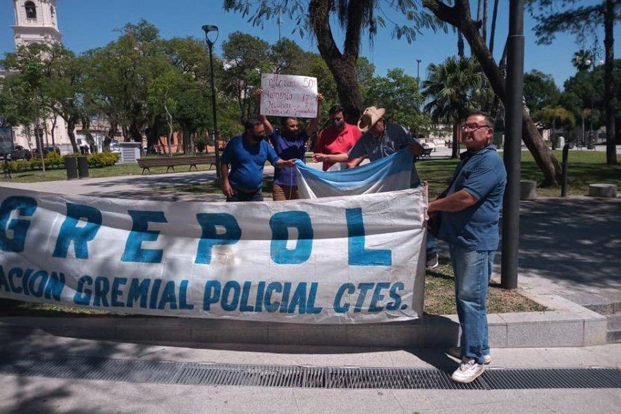 Policías manifestaron que es poco el aumento de haberes