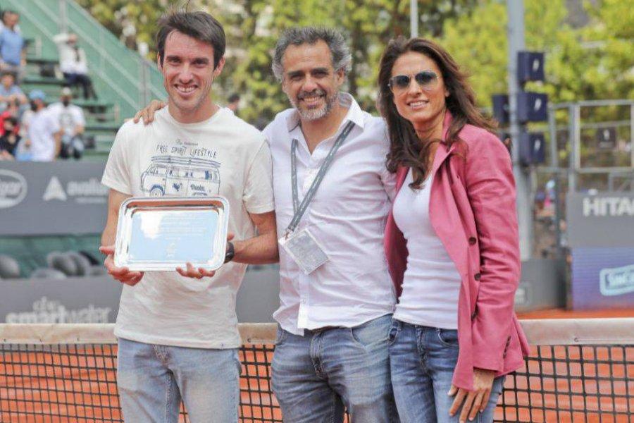 El correntino Mayer fue homenajeado en el Challenger de Buenos Aires