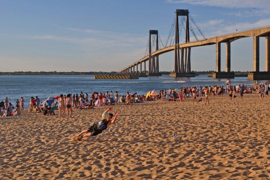 Corrientes: Concentración y rechazo por construcciones en zona de playas