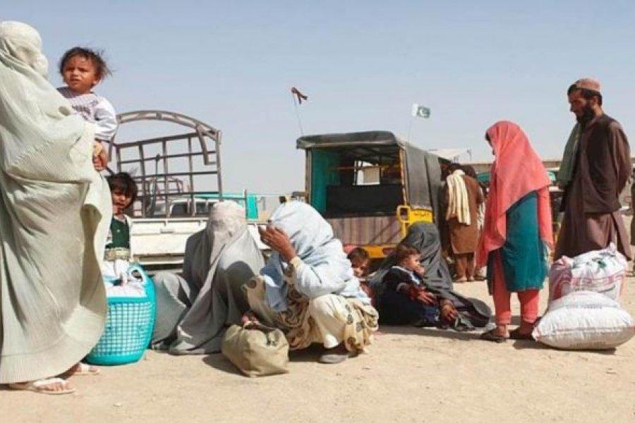 Familias de Afganistán venden a sus hijas para no morir de hambre