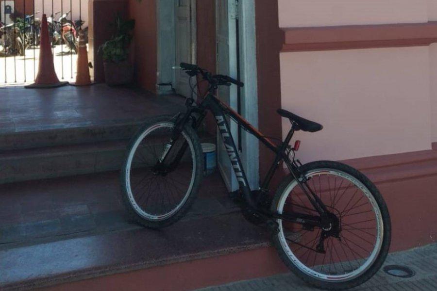 Robaron una bicicleta de alta gama y la cambiaron por un caballo