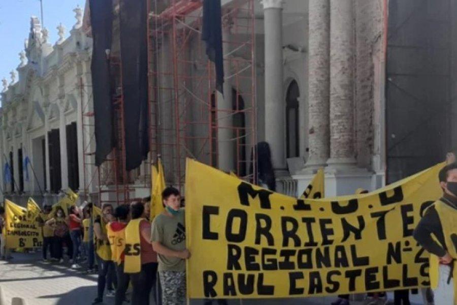 Manifestación en Casa de Gobierno: Piden terrenos