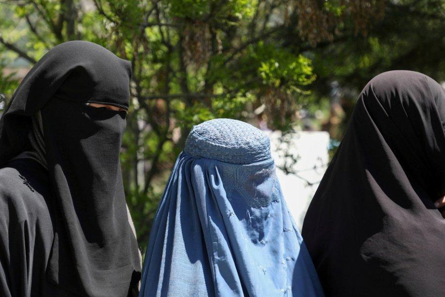 Los derechos de las mujeres y niñas afganas frente al regreso de los talibanes